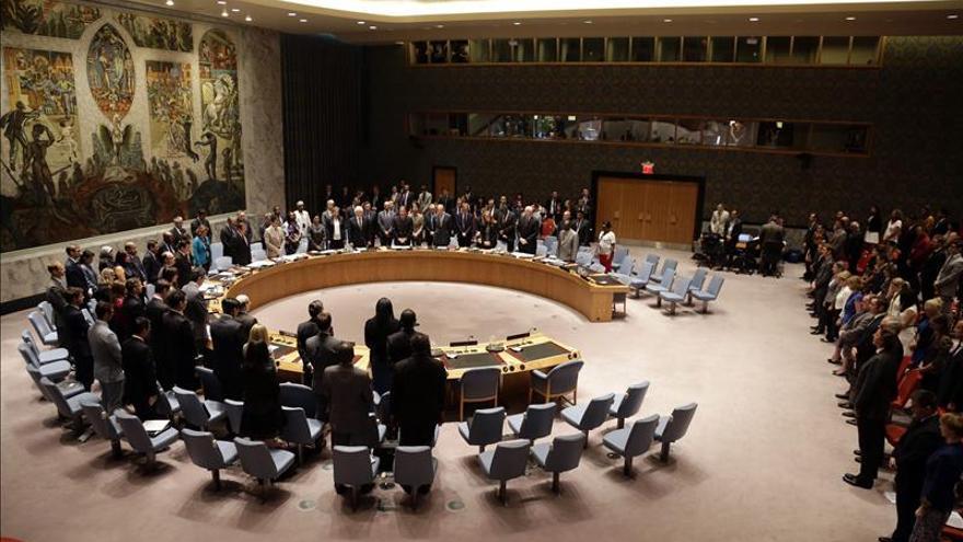 """Francia presenta en la ONU una resolución que pide """"todas las medidas"""" contra el EI"""