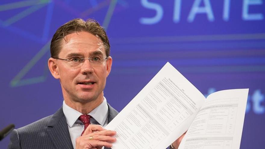 La CE busca renovar la industria con un debate y la protección contra los ciberataques