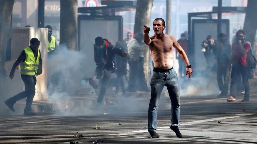 """Gran despliegue policial en Francia por los """"chalecos amarillos"""""""