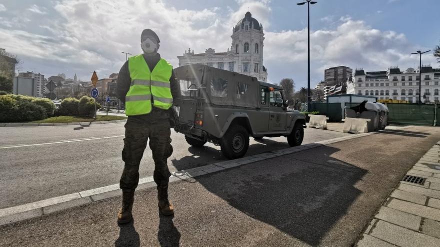 Medio centenar de militares reconocerá mañana infraestructuras en Santander y Solares