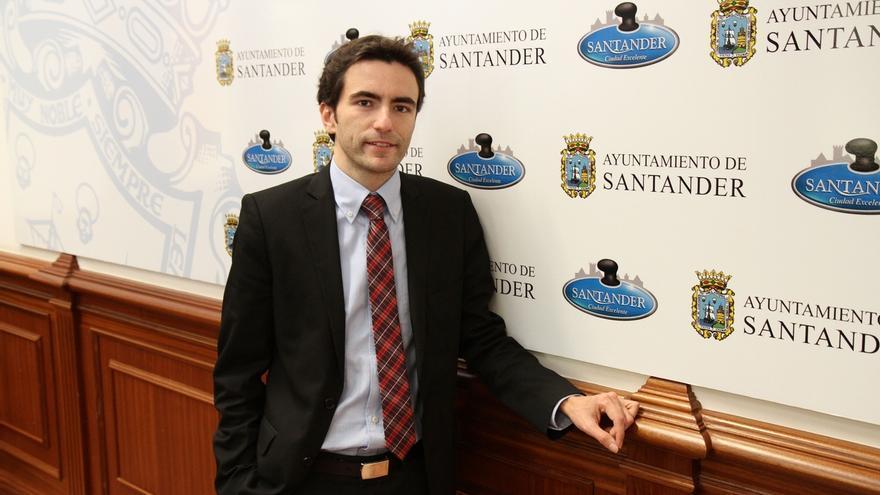 """Casares quiere ser """"el primer alcalde los jóvenes"""" de la ciudad"""
