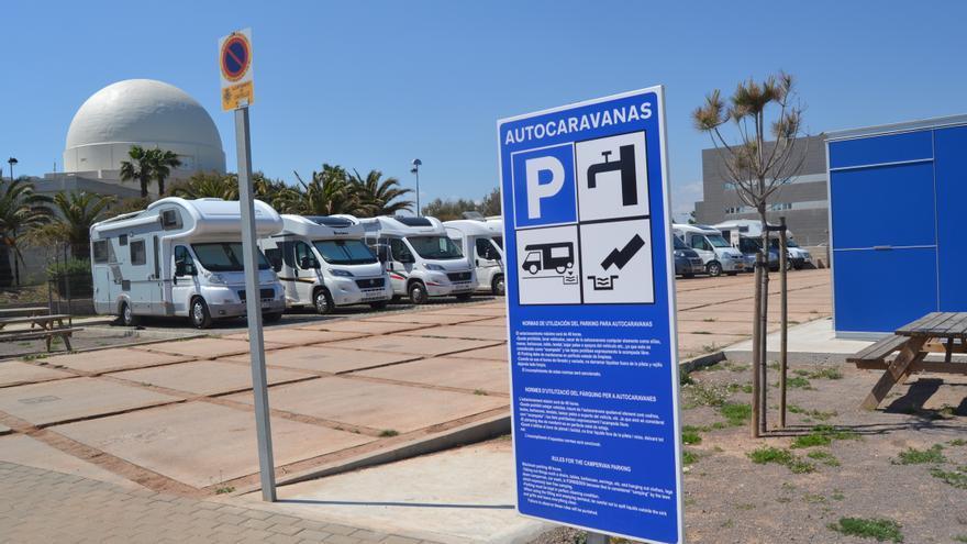 Parking de autocaravanas junto al Planetario de Castellón.