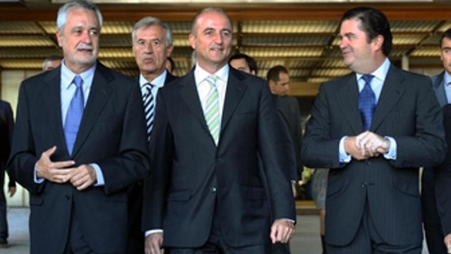 Ministro de Industria, Miguel Sebastián, visita el centro de operaciones de Ende
