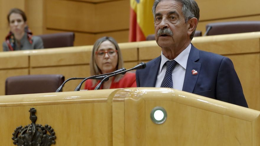 "Revilla dice estar ""seguro"" de que tanto Cantabria como Euskadi pasarán a la fase II de la desescalada"