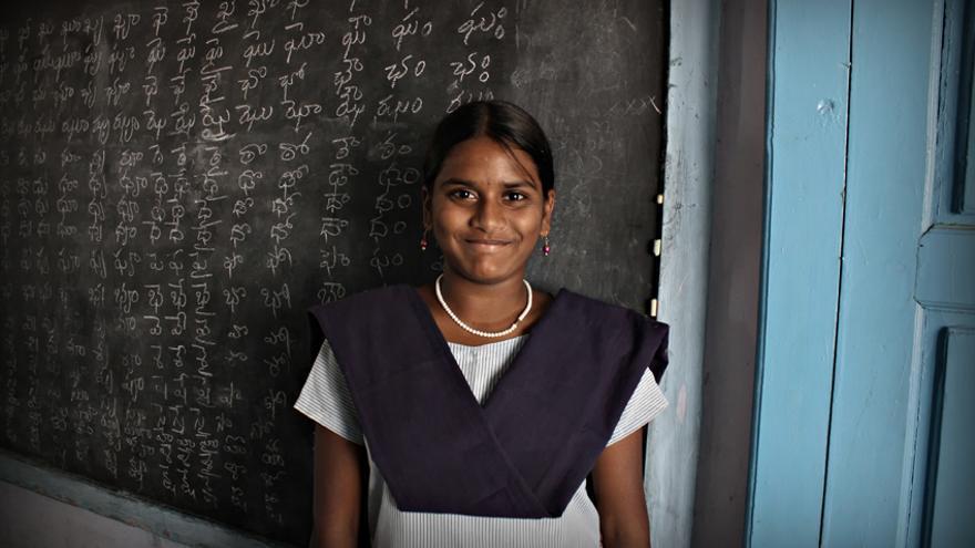 Subhasini quiere ser profesora y dar clases en su aldea/Rafa Gassó