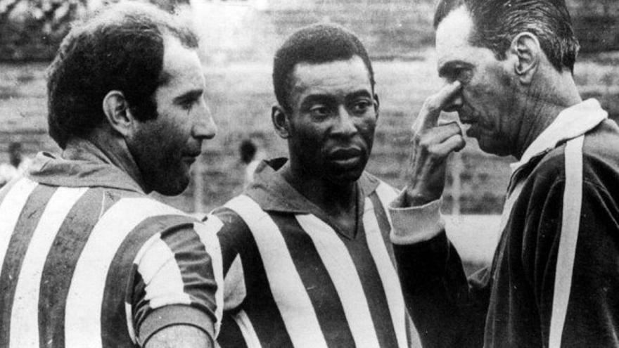 Gerson, Pelé y João Saldanha, en un entrenamiento en 1969