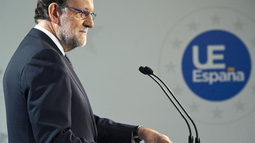 """Rajoy ve los datos de empleo como """"acicate"""" y un paso para el objetivo de 2019"""