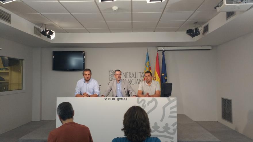 En el centro, José María Ángel, director de la Agencia de Seguridad y Emergencias