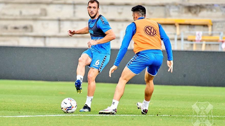 El CD Tenerife, a alejarse definitivamente de los puestos de descenso