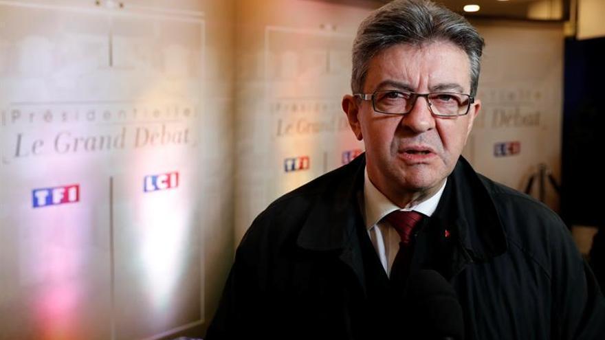 El neocomunista Mélenchon se dispara en la intención de voto, según un sondeo