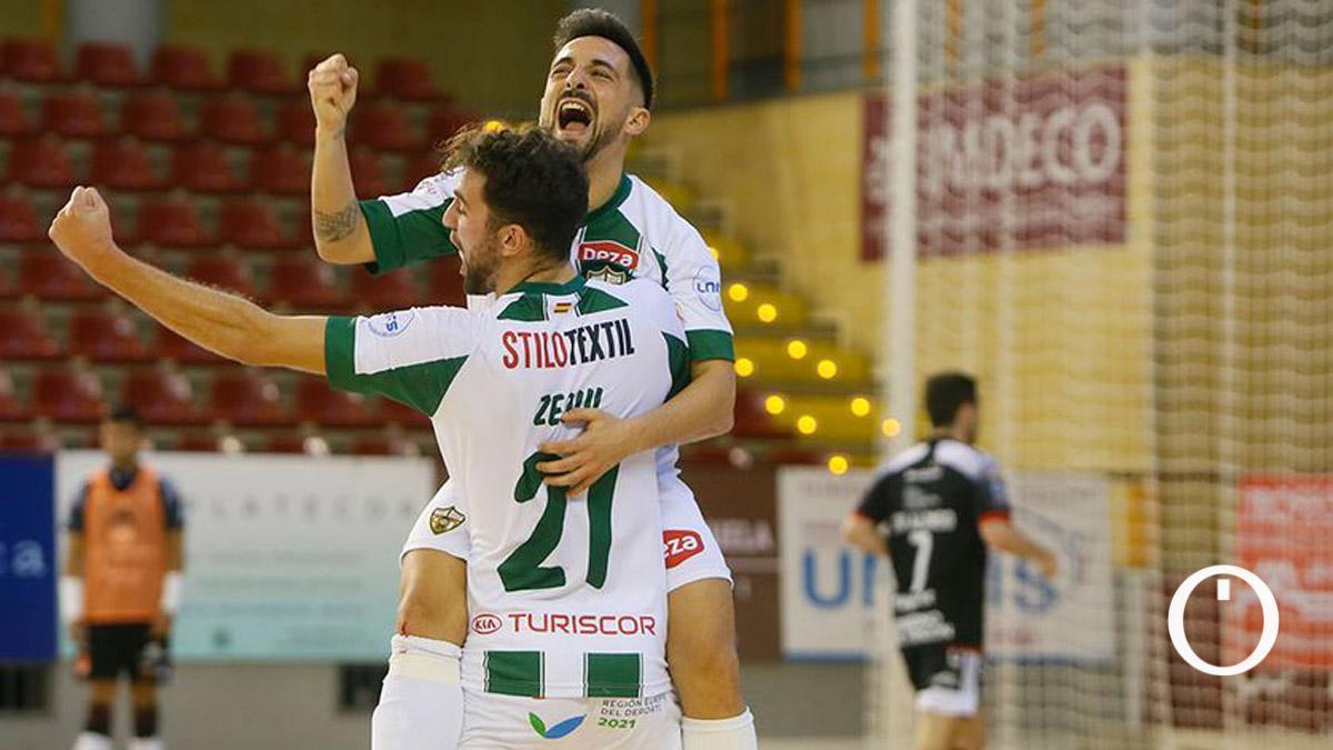 Jesulito y Zequi celebran un gol en Vista Alegre