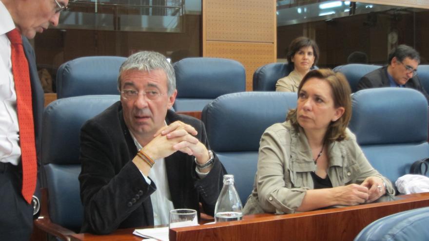 Polémica en la Asamblea de Madrid por la propuesta de IU de guardar un minuto de silencio en investidura de González