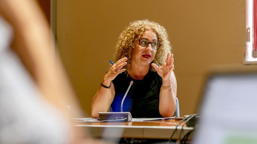 Itinerarios individuales y menos burocracia para reducir el paro y la pobreza en Canarias