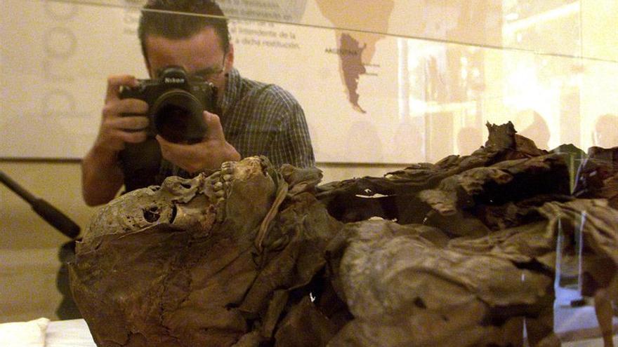 Una momia guanche en el Museo de la Ciencia y la Humanidad de Santa Cruz de Tenerife