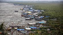 Miles de evacuados ante llegada del ciclón Nisarga en India en plena pandemia