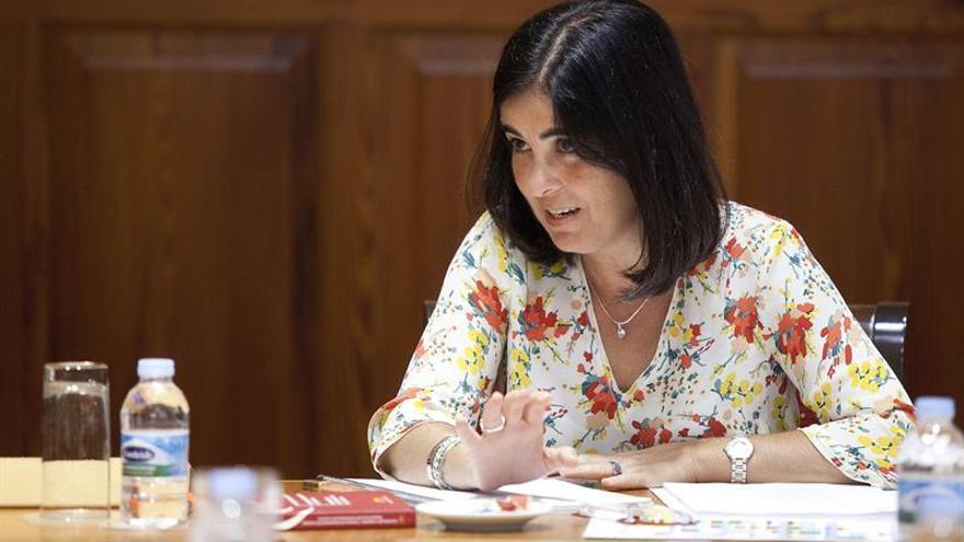 La presidenta del Parlamento de Canarias, Carolina Darias, preside la reunión de la Junta de Portavoces del Parlamento de Canarias celebrada hoy tras el descanso vacacional. EFE/Ramón de la Rocha