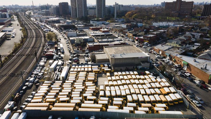 Los colegios de Nueva York cierran para intentar no naufragar en la pandemia