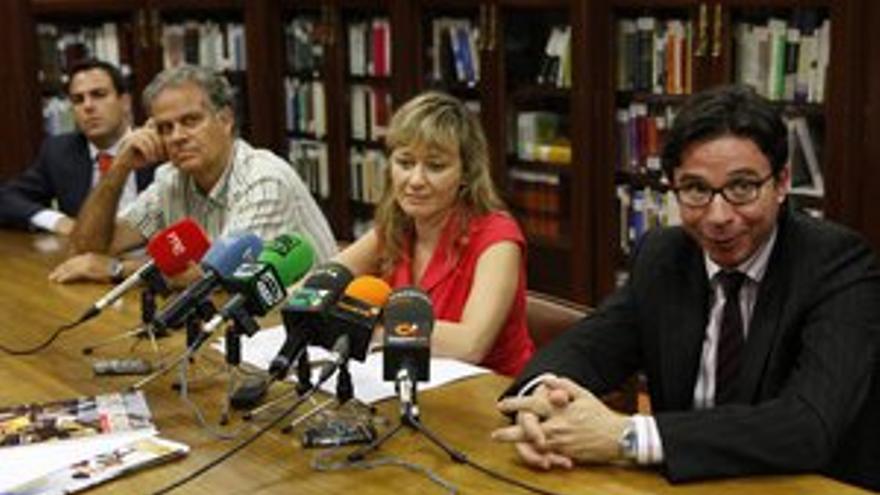 Cuatro magistrados de la asociación Jueces para la Democracia, en rueda de prensa este viernes. (ACFI PRESS)