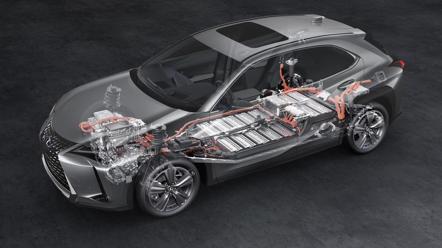 El Lexus 300e comparte estructura con el híbrido Lexus 250h.