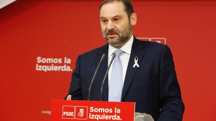 PSOE defiende una aplicación del 155 lo más breve posible y avisa a Puigdemont de que aún pueda dar marcha atrás