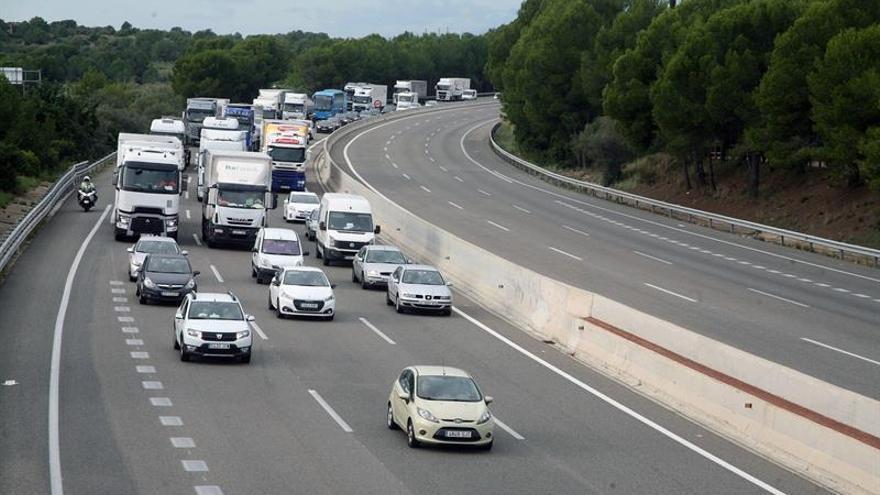 Francia activa un plan para tráfico pesado por cortes de carretera en Cataluña