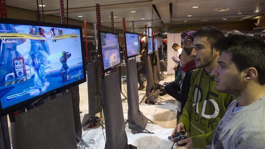 Dos horas de videojuegos semanales son beneficiosas, 9 causan problemas de salud
