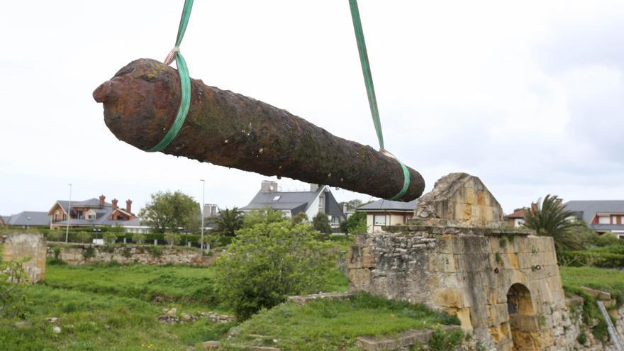 Ayuntamiento de Getxo retira los tres cañones del Fuerte de La Galea para su restauración