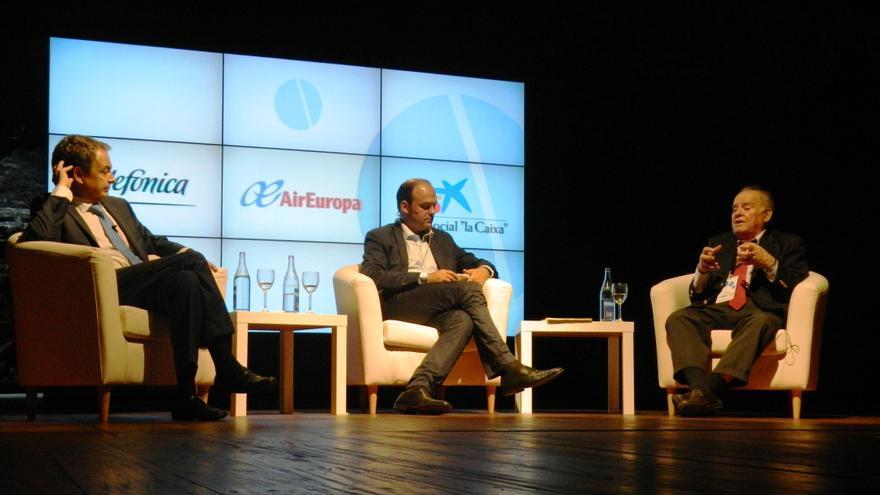 José Luis Rodríguez Zapatero (d), José Luis Díez (c) y Enrique Iglesias.