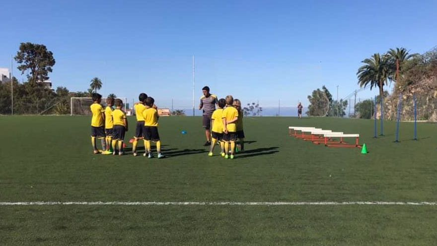 Inicio del II Campus de Verano de la UD Las Palmas en Tijarafe.