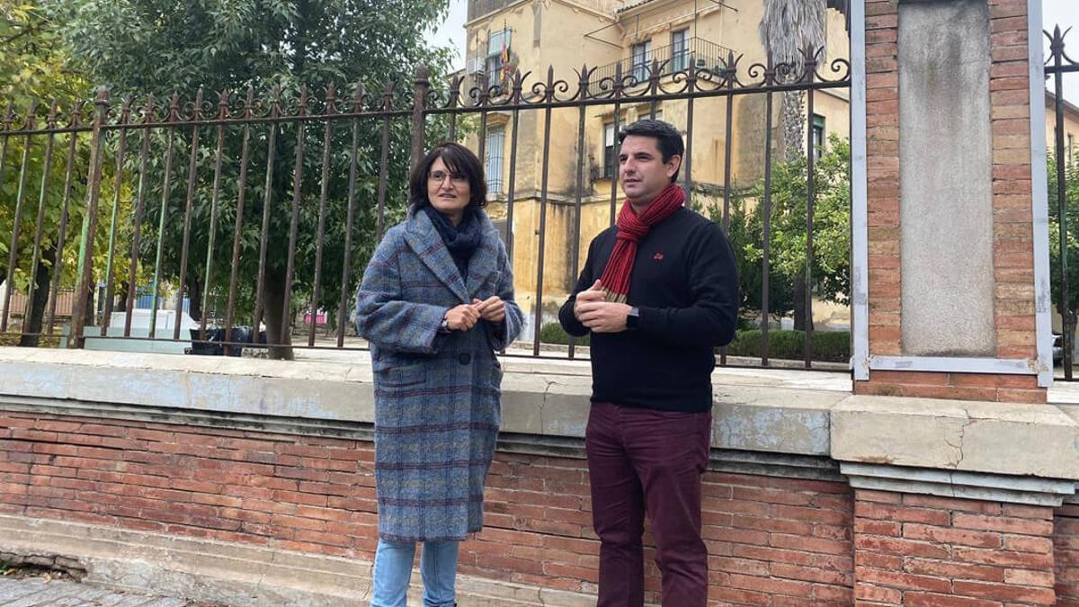 Amparo Pernichi y Pedro García en Ronda del Marrubial.
