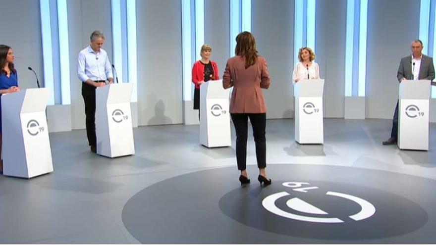 Belén Hoyo, Héctor Illueca, Susana Ros, Marta Martín y Joan Baldoví en el debate de À Punt
