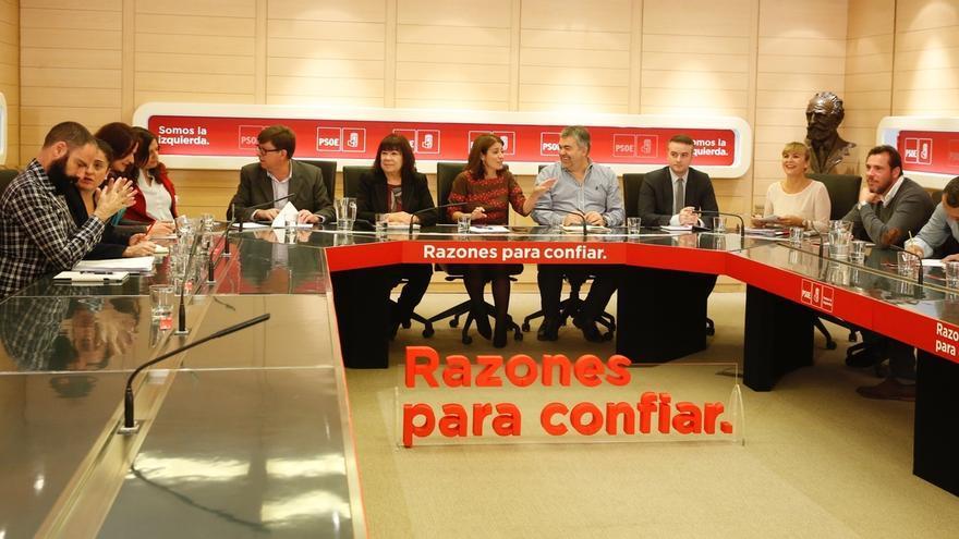Ferraz llama al orden a los ministros para no perjudicar las 'municipales' con opiniones personales como la de la caza