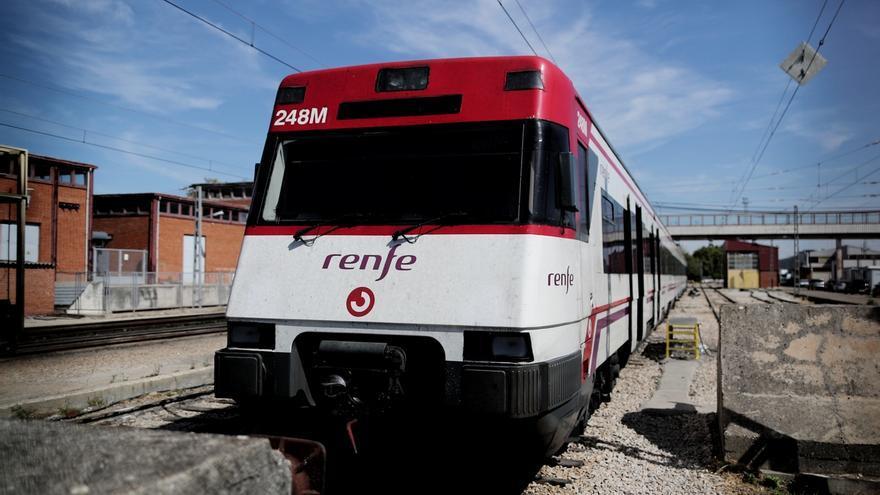 """CCOO critica la """"supresión"""" de 34 Cercanías """"por falta de personal y trenes"""" con cientos de usuarios afectados"""