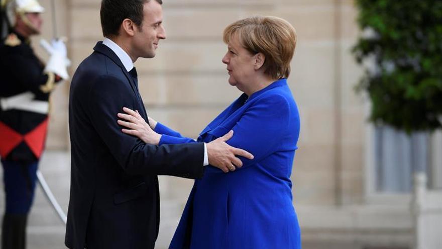 Macron quiere cambios en Alemania y en la eurozona para evitar la fractura