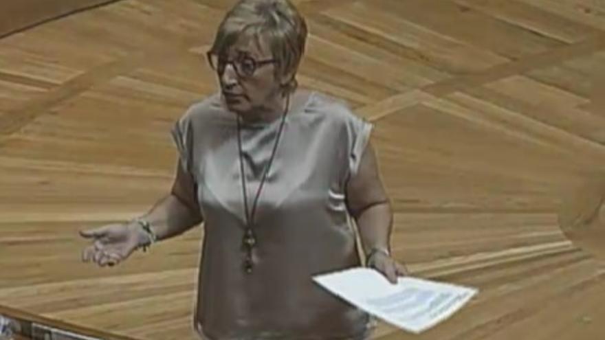 Ana Barceló, consellera de Sanidad, en su intervención de las Corts.