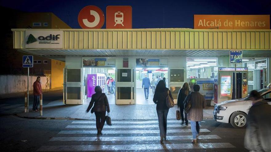 Confebus denuncia a Renfe en la CNMC por dar gratis el servicio de Cercanías a viajeros del AVE