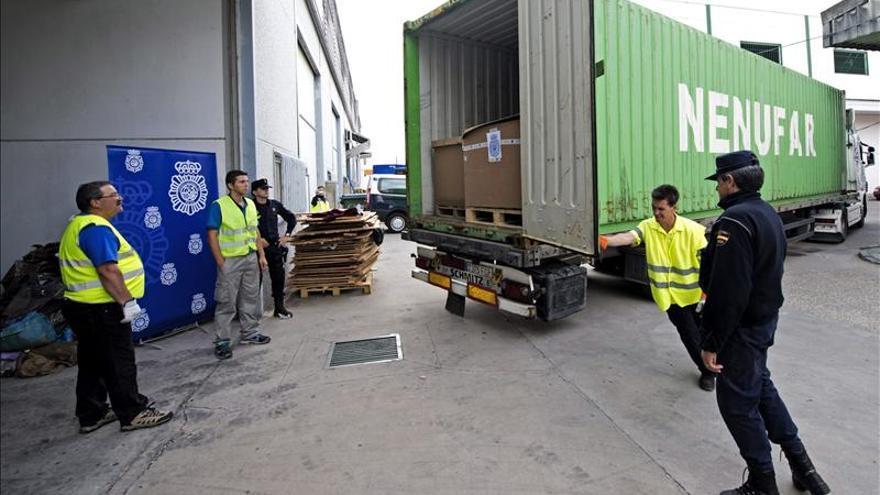 Trasladan las 64 toneladas de hachís halladas en Córdoba para su destrucción