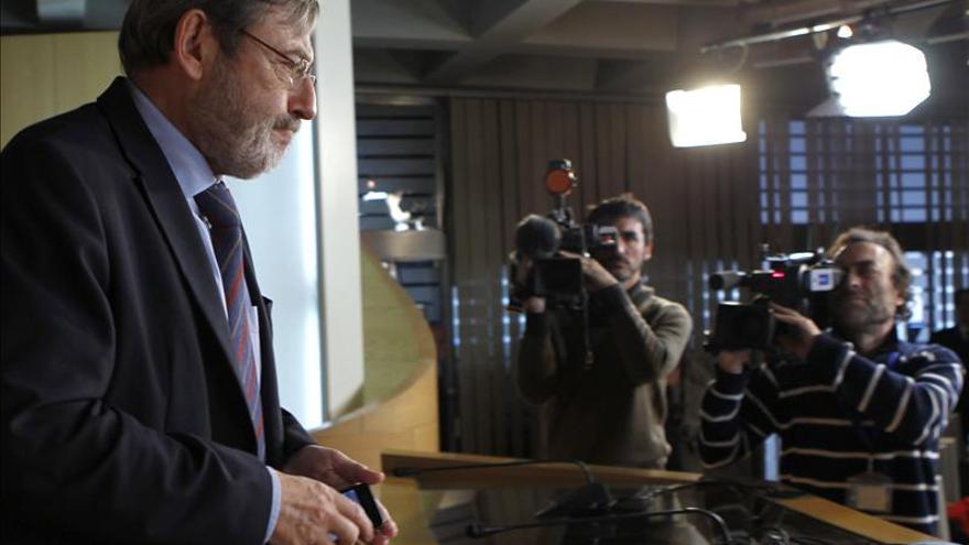 """El PSOE pide a Botella que dimita por convertir Madrid en """"capital de la basura"""""""
