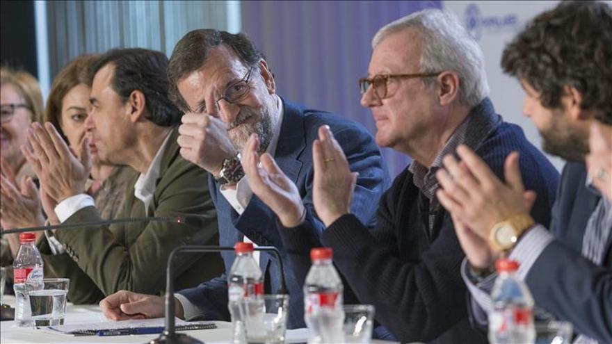 Rajoy avisa que o gobierna él o lo hará Podemos poniendo a Sánchez al frente