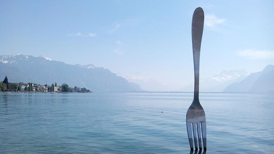 Escultura en el Lago Lemán.
