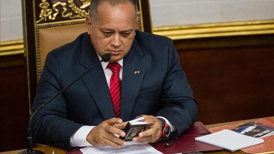 La oposición dice que el chavismo evita el debate al no convocar sesión parlamentaria