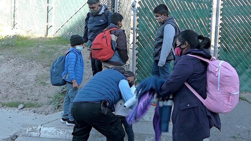 Aumenta más de un 50 % la detención de menores en frontera de EE.UU., según WSJ