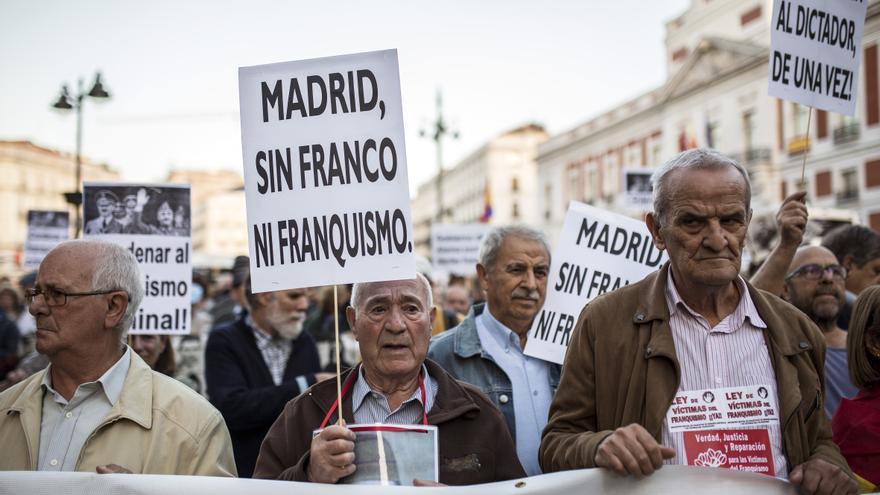 Manifestación en Madrid contra la inhumación de Franco en La Almudena.