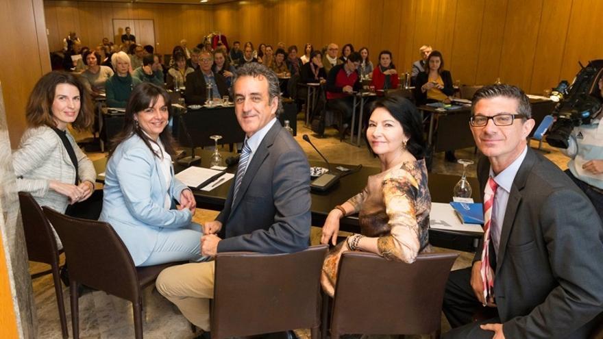 Turismo destina 57.000 euros en ayudas a agencias de viajes y organizadores de congresos