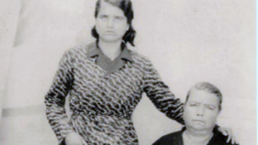 La Letrada con su hija Blasa. | FAMILIA OREJÓN
