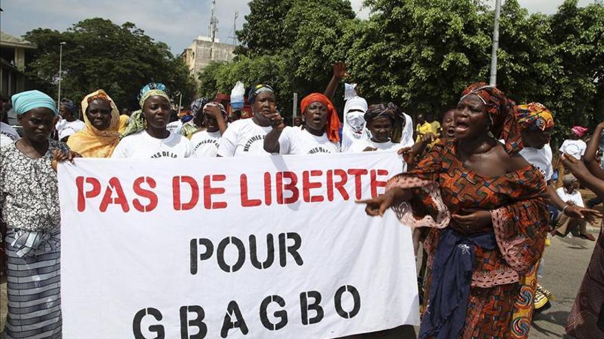 La CPI decide que el expresidente de Costa de Marfil Laurent Gbagbo continúe detenido