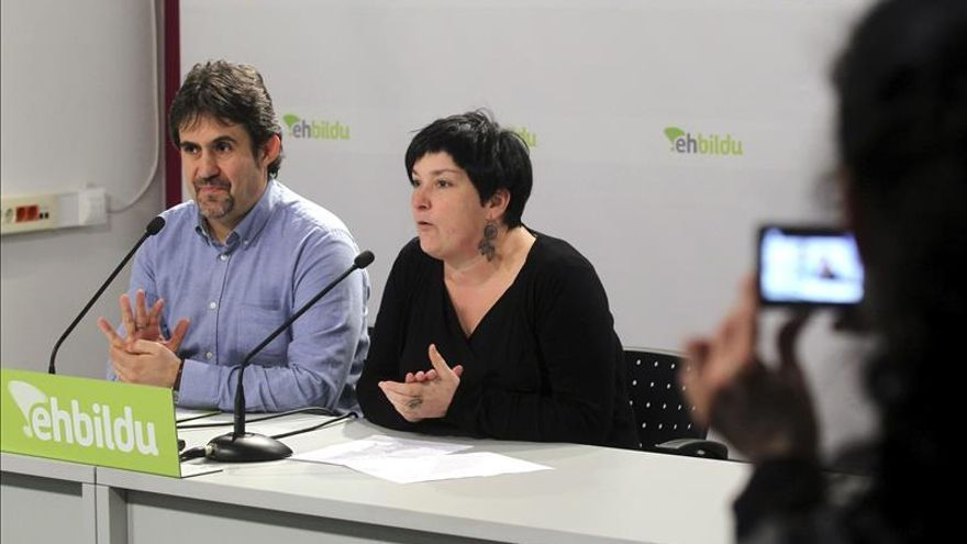 Bildu insta a la ruptura y a la confrontación política por la independencia