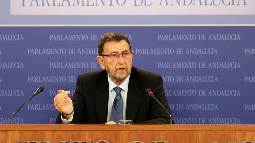 """El presidente del Parlamento andaluz lamenta la """"indignación"""" por la subida de dietas y dice que no volverá a ocurrir"""