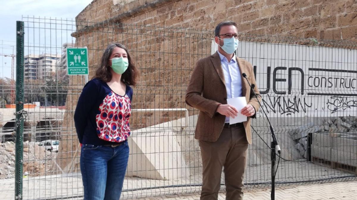 La regidora de Modelo de Ciudad de Palma, Neus Truyol, y el alcalde, José Hila, este viernes