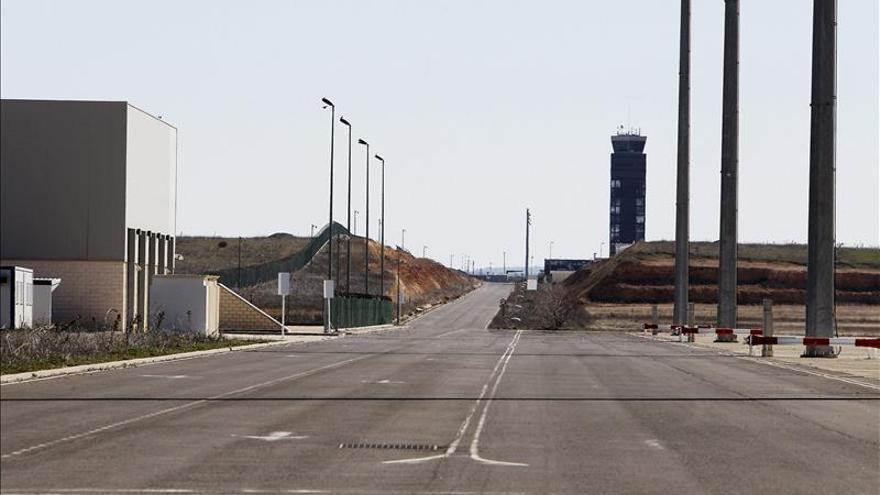 """Oferta de compra del aeropuerto de Ciudad Real """"en el aire"""" por no tener aval"""